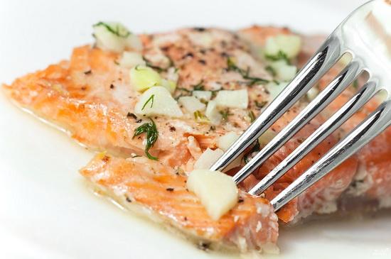 Филе хека, семги и трески на пару в мультиварке – готовим морскую рыбу 3
