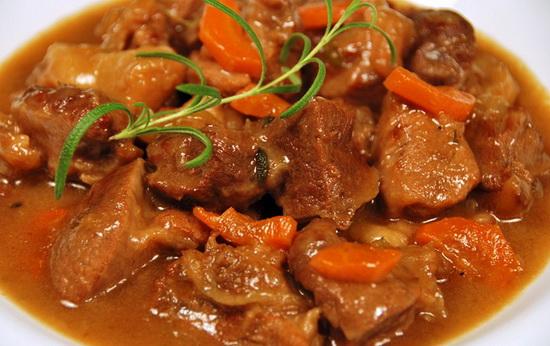 Как вкусно потушить мясо в мультиварке - готовим тушеную говядину 4