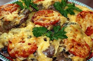 Как быстро приготовить мясо по-французски в мультиварке из курицы с грибами 1