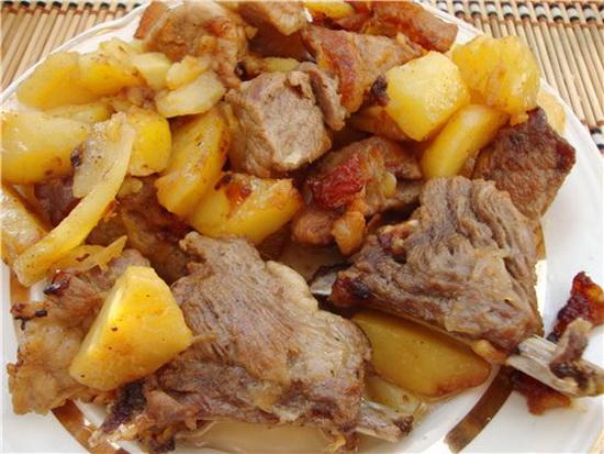 Свиные ребра с картошкой готовим в мультиварке - тушеные и копченые 2