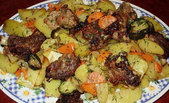 Как вкусно потушить свинину в мультиварке с картошкой – новый рецепт 3