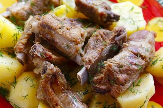 Готовим баранину - тушеные бараньи ребра в мультиварке с картофелем и кашей 4