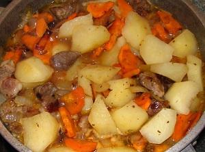 Тушеный картофель с говядиной в мультиварке – несколько рецептов 1
