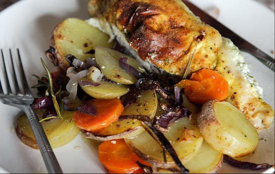 Запеченная куриная грудка с овощами – запекаем птицу с овощами в мультиварке 4