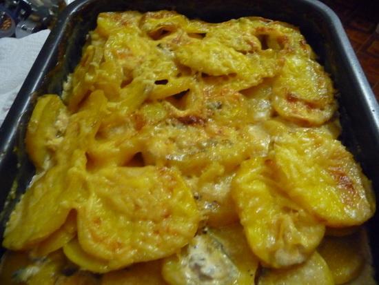 Запеченная картошка с сыром, в сметане, с салом, с овощами, с курицей в мультиварке - новые рецепты 2
