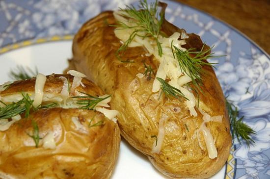 Запеченная картошка с сыром, в сметане, с салом, с овощами, с курицей в мультиварке - новые рецепты 3