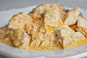Куриное филе в сметане, кефире, сливках, с сыром, в томатном соусе - в мультиварке 1