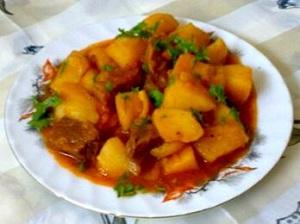 Как вкусно приготовить тушеную картошку в мультиварке с мясом и без мяса 1