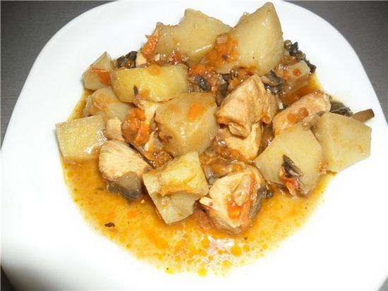 Как вкусно приготовить тушеную картошку в мультиварке с мясом и без мяса 3