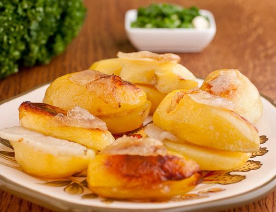 Запеченый картофель в фольге в мультиварке с салом 4