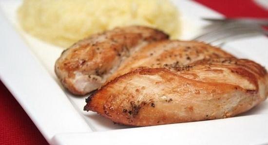 Куриная грудка в фольге или рукаве в мультиварке - запекаем мясо курицы 2