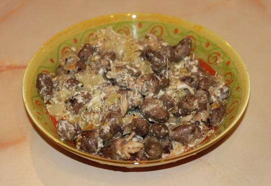 Куриные сердечки и печень в сметане в мультиварке – готовим субпродукты 4