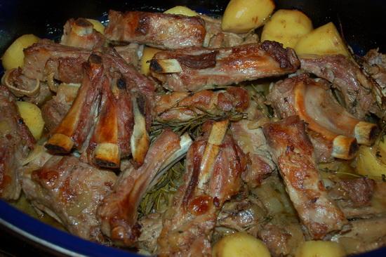 Готовим баранину - тушеные бараньи ребра в мультиварке с картофелем и кашей 3