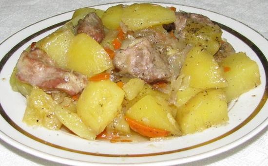 Тушеный картофель с говядиной в мультиварке – несколько рецептов 4