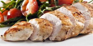 Запеченная куриная грудка с овощами – запекаем птицу с овощами в мультиварке 1