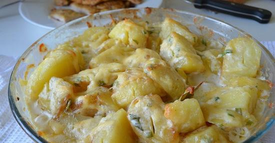Запеченная картошка с сыром, в сметане, с салом, с овощами, с курицей в мультиварке - новые рецепты 4