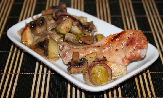 Куриные ножки с грибами и картофелем в мультиварке - жарим и запекаем в рукаве и фольге 4